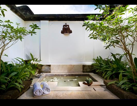 Published january 2 2011 at 531 411 in bathtime for How to build a sunken bathtub